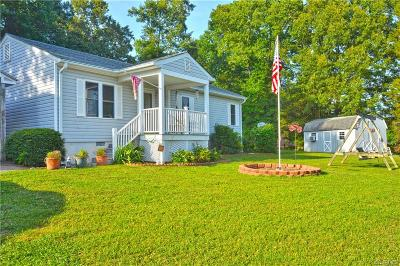 Powhatan Single Family Home For Sale: 2211 Overlook Road
