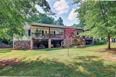 Chesterfield Single Family Home For Sale: 9402 Dry Creek Road