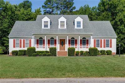 Colonial Heights Single Family Home For Sale: 224 Comstock Drive