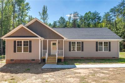 Powhatan Single Family Home For Sale: 5237 Old Buckingham Road