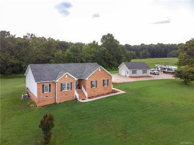 Amelia County Single Family Home For Sale: 19680 Dusty Hill Lane