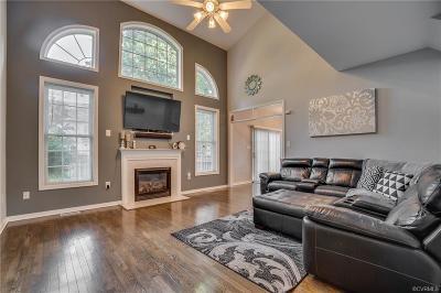 Chester Single Family Home For Sale: 819 Green Garden Circle