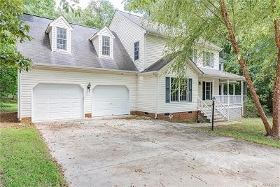 South Chesterfield Single Family Home For Sale: 201 Walkers Cove Drive