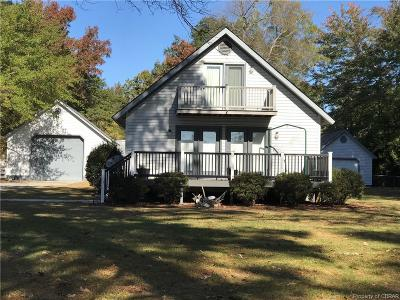 Middlesex County Single Family Home For Sale: 581 Shore Drive