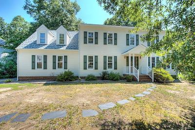 Midlothian Single Family Home For Sale: 723 Shadowhill Court