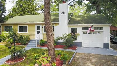 Middlesex County Single Family Home For Sale: 55 Lakeside Drive