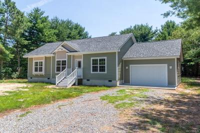 Deltaville Single Family Home For Sale: 132 Norhall Lane