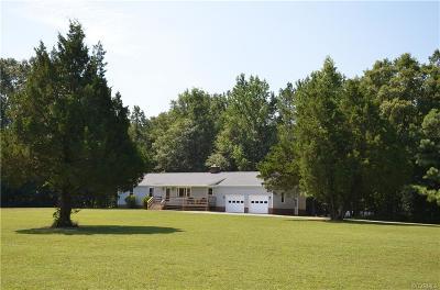 Hanover Single Family Home For Sale: 19123 Blackberry Lane