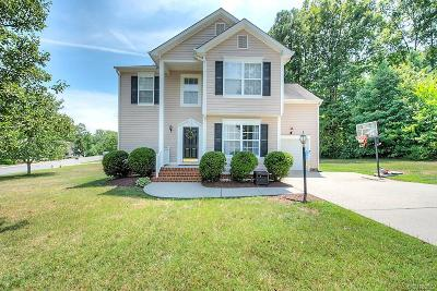 Midlothian Single Family Home For Sale: 14601 Holding Pond Court