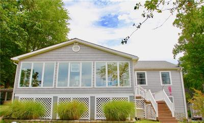 Middlesex County Single Family Home For Sale: 173 Beach Drive