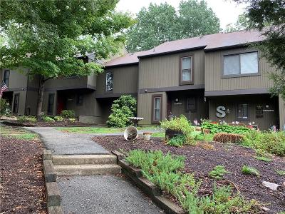 Midlothian Condo/Townhouse For Sale: 11821 N Briar Patch Drive #11821