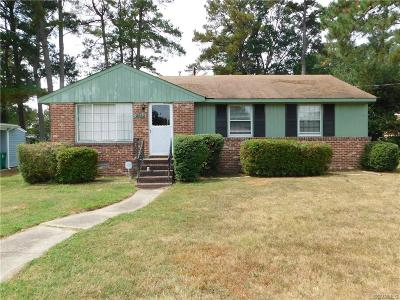 Single Family Home For Sale: 2552 Crestwood Avenue