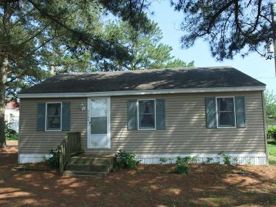 Chincoteague VA Single Family Home For Sale: $198,500