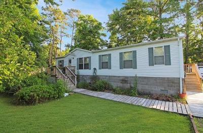 Chincoteague VA Single Family Home For Sale: $169,900
