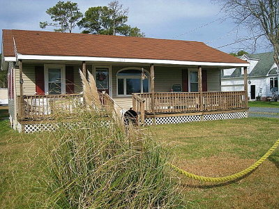 Chincoteague VA Single Family Home For Sale: $225,000
