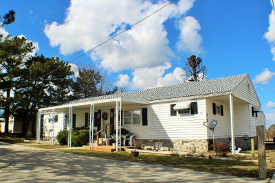 Chincoteague VA Single Family Home Under Contract/Continue To Sho: $139,900