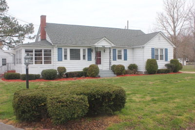 Harborton VA Single Family Home Under Contract/Continue To Sho: $155,000