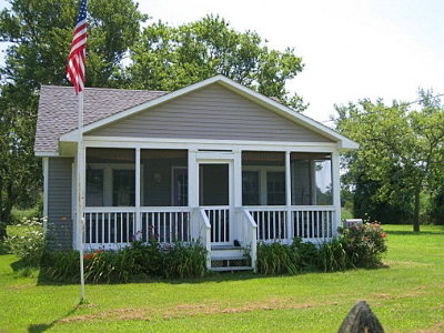 Chincoteague VA Single Family Home Under Contract/Continue To Sho: $169,900