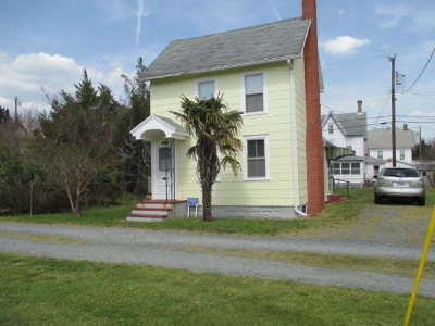 Chincoteague VA Single Family Home For Sale: $144,500