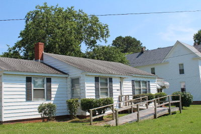 Nassawadox VA Single Family Home For Sale: $99,500