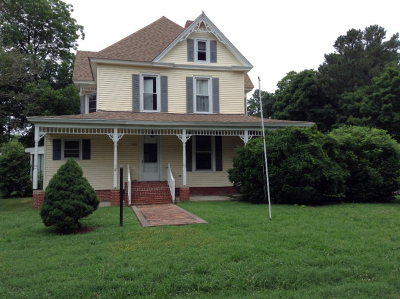Parksley VA Single Family Home For Sale: $148,000