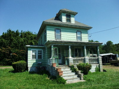 Chincoteague VA Single Family Home Under Contract/Continue To Sho: $165,000