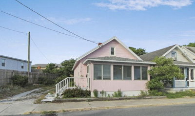 Chincoteague VA Single Family Home Under Contract/Continue To Sho: $145,000