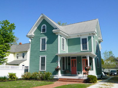 Single Family Home For Sale: 405 Randolph Ave