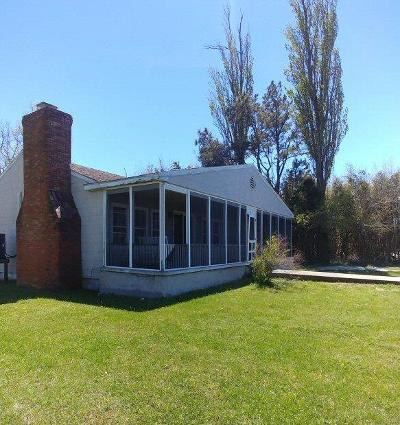 Chincoteague Single Family Home Under Contract/Continue To Sho: 5032 Main St