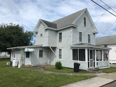 Chincoteague Single Family Home Under Contract/Continue To Sho: 6176 Poplar St