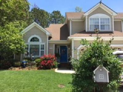 Cape Charles Single Family Home For Sale: 208 Churchill Downs