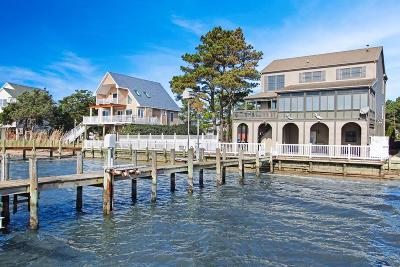 Captains Cove Single Family Home For Sale: 37458 Bayside Dr