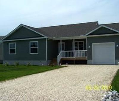 Captains Cove Single Family Home For Sale: 151 Captains Corridor