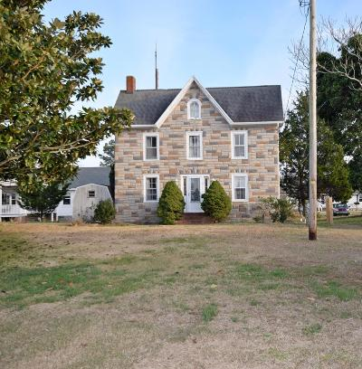 Chincoteague Single Family Home Under Contract/Continue To Sho: 3330 Main St