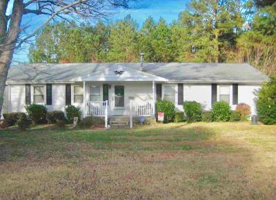 Accomack County Single Family Home Under Contract/Continue To Sho: 8 Waples St