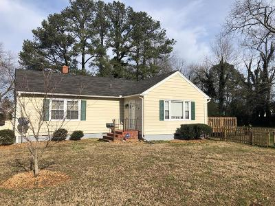 Accomack County Single Family Home Under Contract/Continue To Sho: 7 Justis St