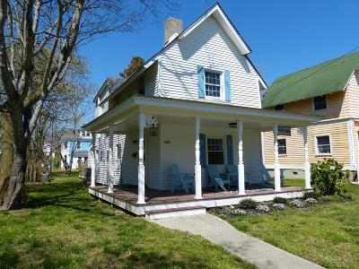 Cape Charles Single Family Home Under Contract/Continue To Sho: 533 Tazewell Ave
