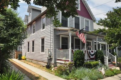 Single Family Home Under Contract/Continue To Sho: 121 Strawberry St