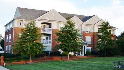 Condo/Townhouse Closed/Sold: 605 Wyndhurst Drive #303