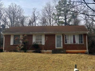 Bedford Single Family Home For Sale: 1005 Bowling Drive