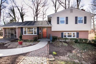 Single Family Home Contingent/Show: 207 Fleetwood Drive