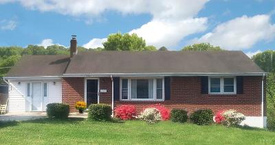 Bedford Single Family Home For Sale: 706 Pinecrest Avenue