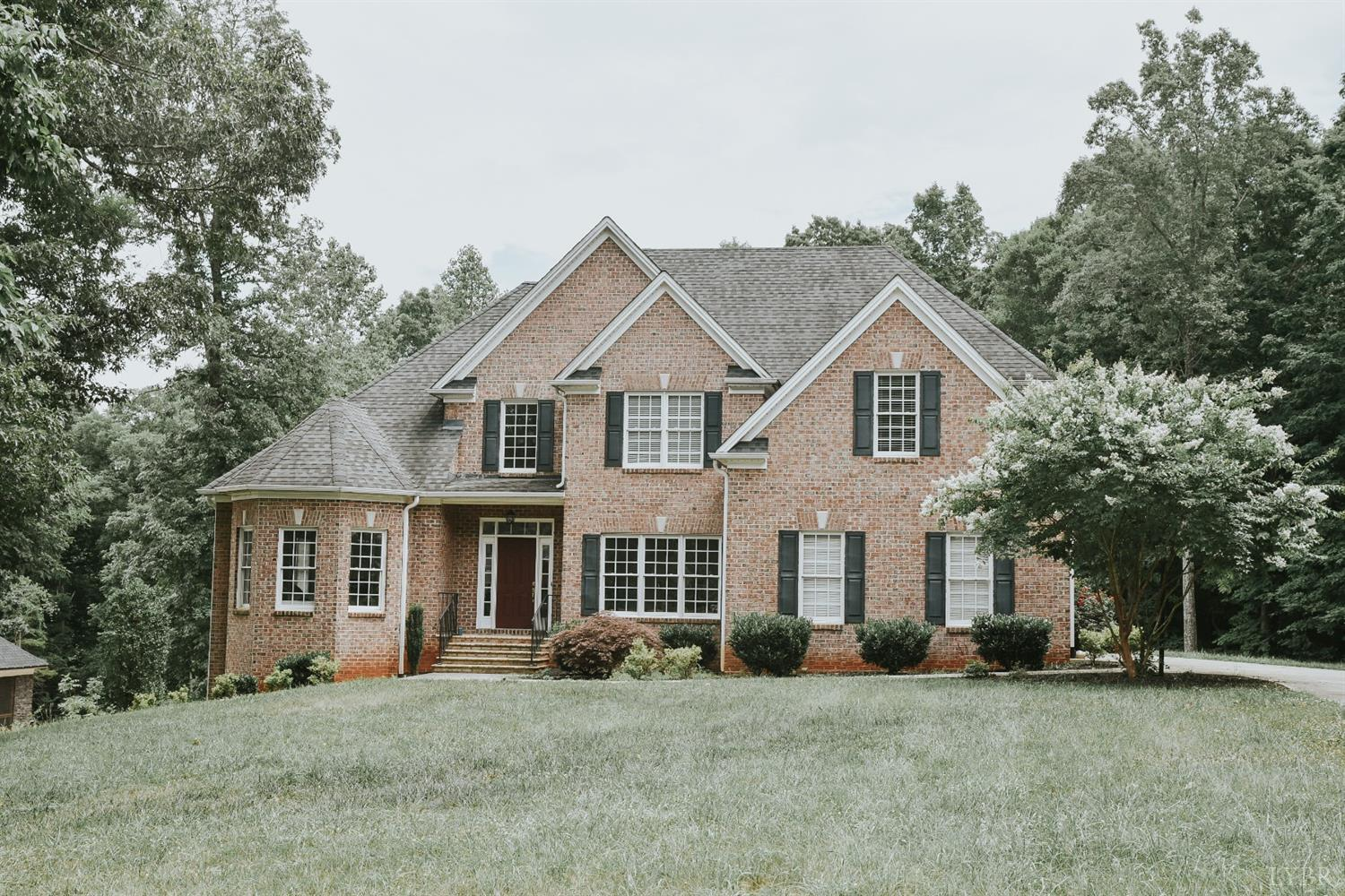 4 bed / 3 baths Home in Forest for $425,900