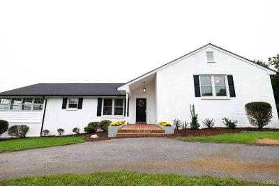 Bedford County Single Family Home For Sale: 302 Quail Meadows