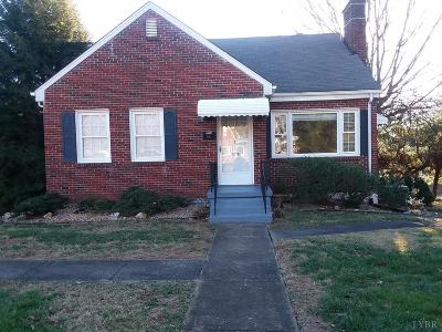 Lynchburg County Single Family Home For Sale: 1103 Chestnut Hill
