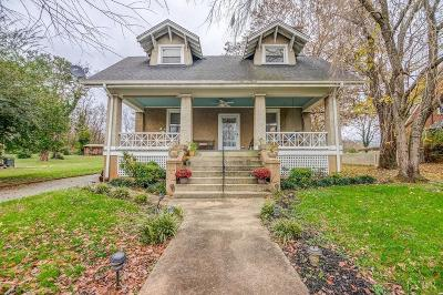 Bedford Single Family Home For Sale: 616 Mountain Avenue