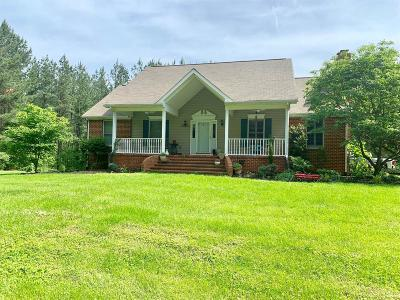 Bedford Single Family Home For Sale: 1553 Foxfire Lane