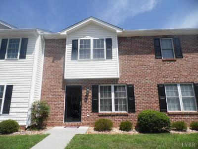 Lynchburg Condo/Townhouse For Sale: 3600 Old Forest Rd #103