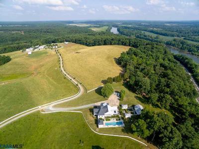 Fluvanna County Farm For Sale: 218 Lowfields Ln