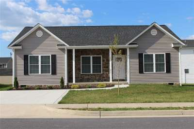 Single Family Home Sold: 267 Dylan Cir